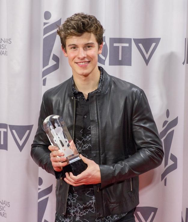 Shawn Mendes winning a Juno
